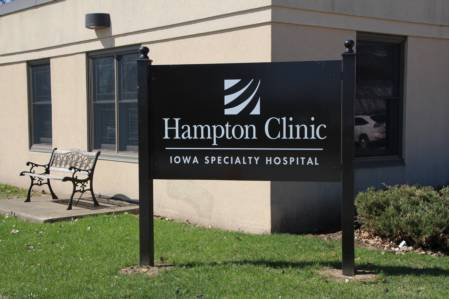 Hampton Clinic Sign